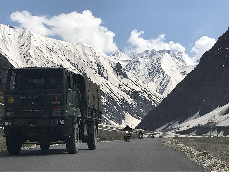 Delhi to Ladakh Distance by Bike is 1018