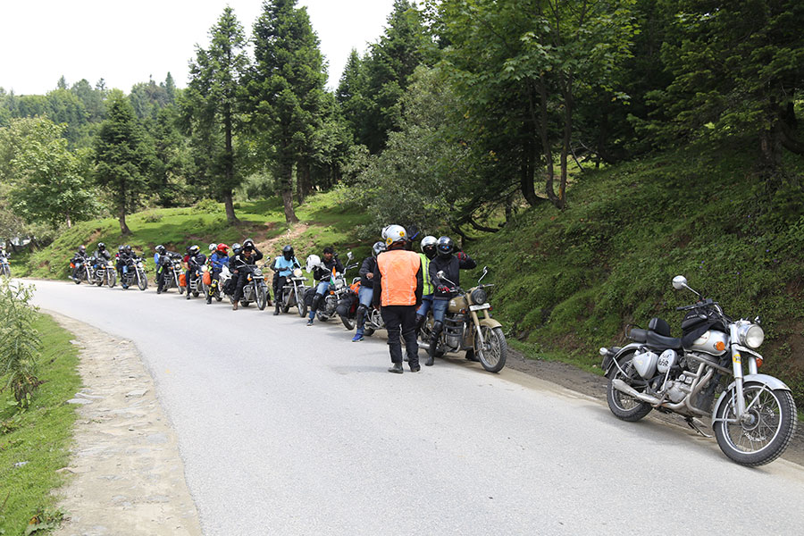 Manali to Leh Bike Trip Packages